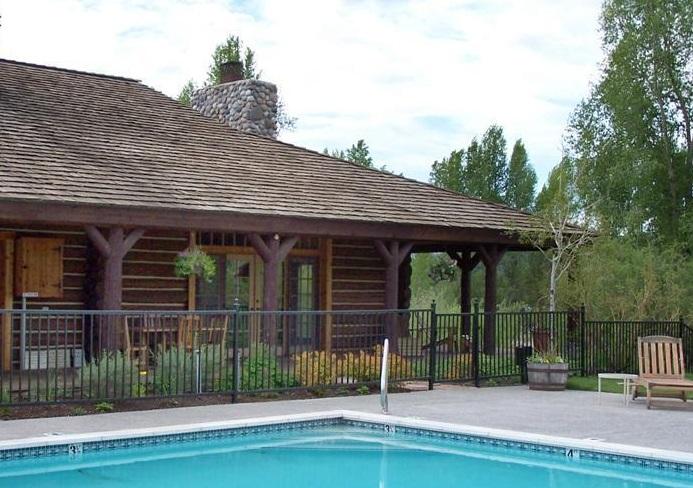 molesworth-cabin